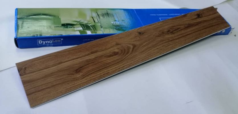 SPC Vinyl Click 5.5mm - Chocolate Cypress ( SPC5-3103 )