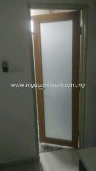 Alumininum Door (wood grain)
