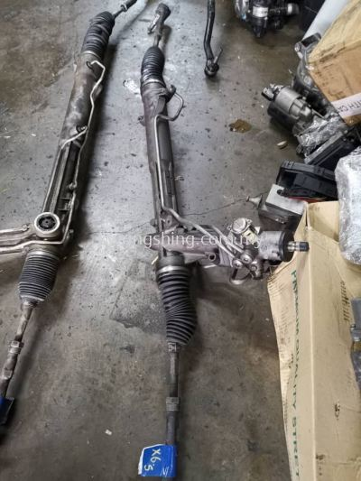 BM X5 E70 Steering Rack (1 switch)