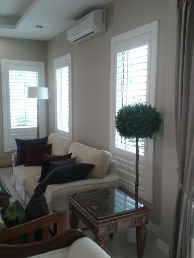 Living Room Window Shutter Blind