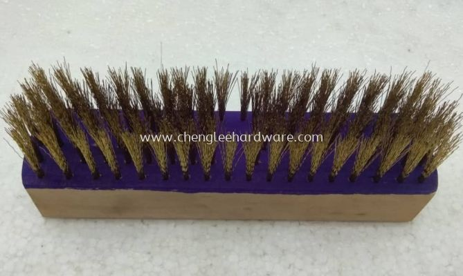 016070 9 INCH WIRE BRUSH -GOLD WITH WOOD HANDLE