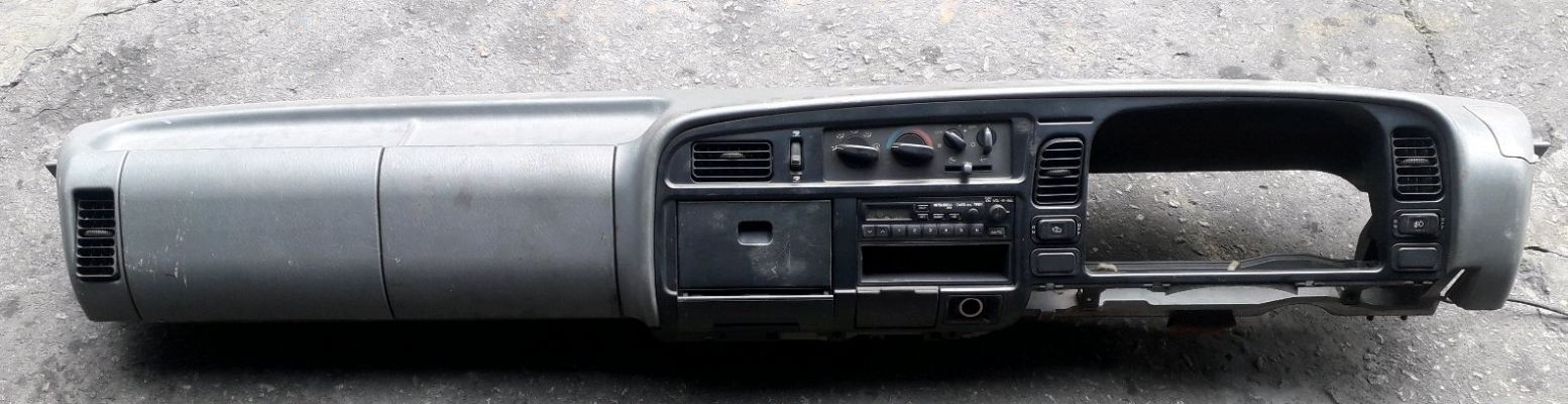 MITSUBISHI CANTER FE639 DASHBOARD