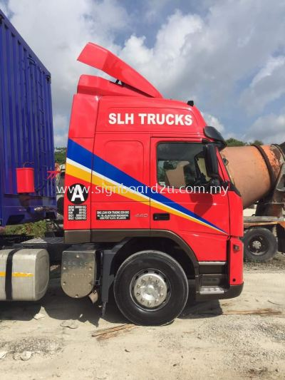 Slh Rebuild lorry Truck cutting sticker at klang selangor