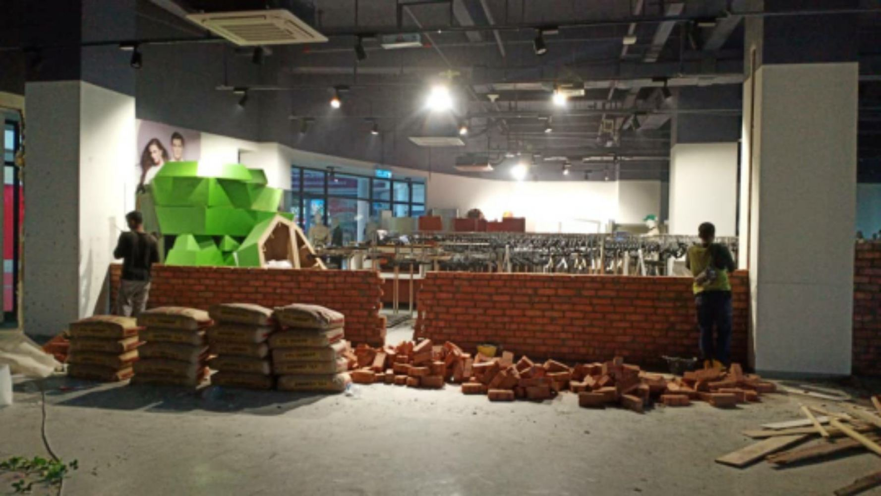 Solid bricks  wholesaler to project