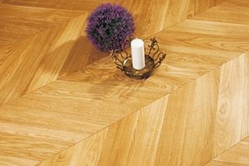 Oak-Chevron Natural Brushed