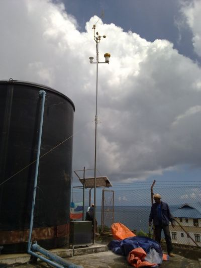 10 Meter Weather Station