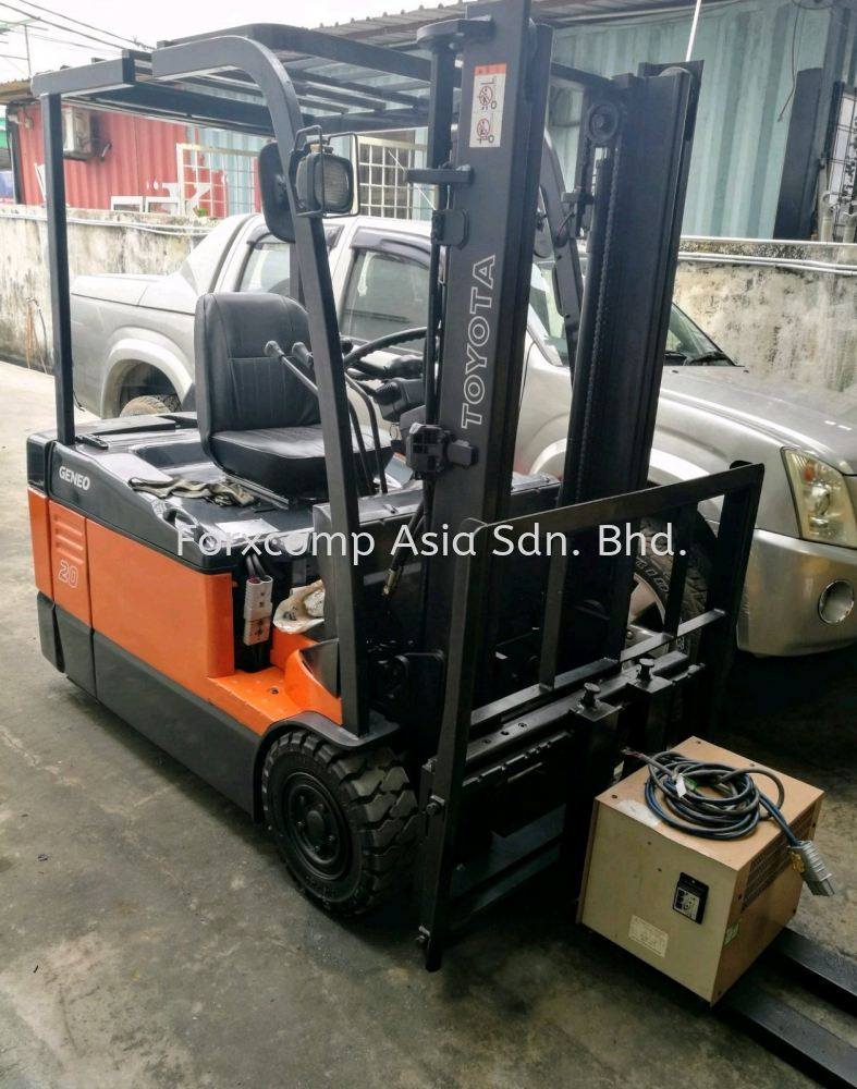 2.0 Ton TOYOTA Counter Balance 3-Wheeler Battery Forklift Truck