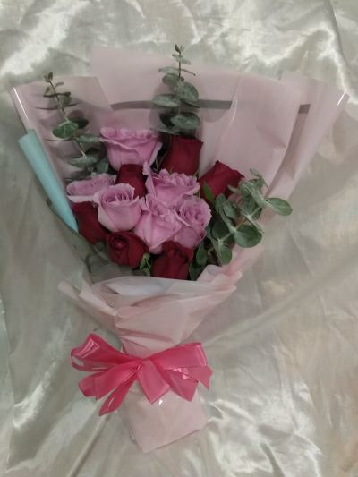 Roses Hand Bouquet (HB-979)