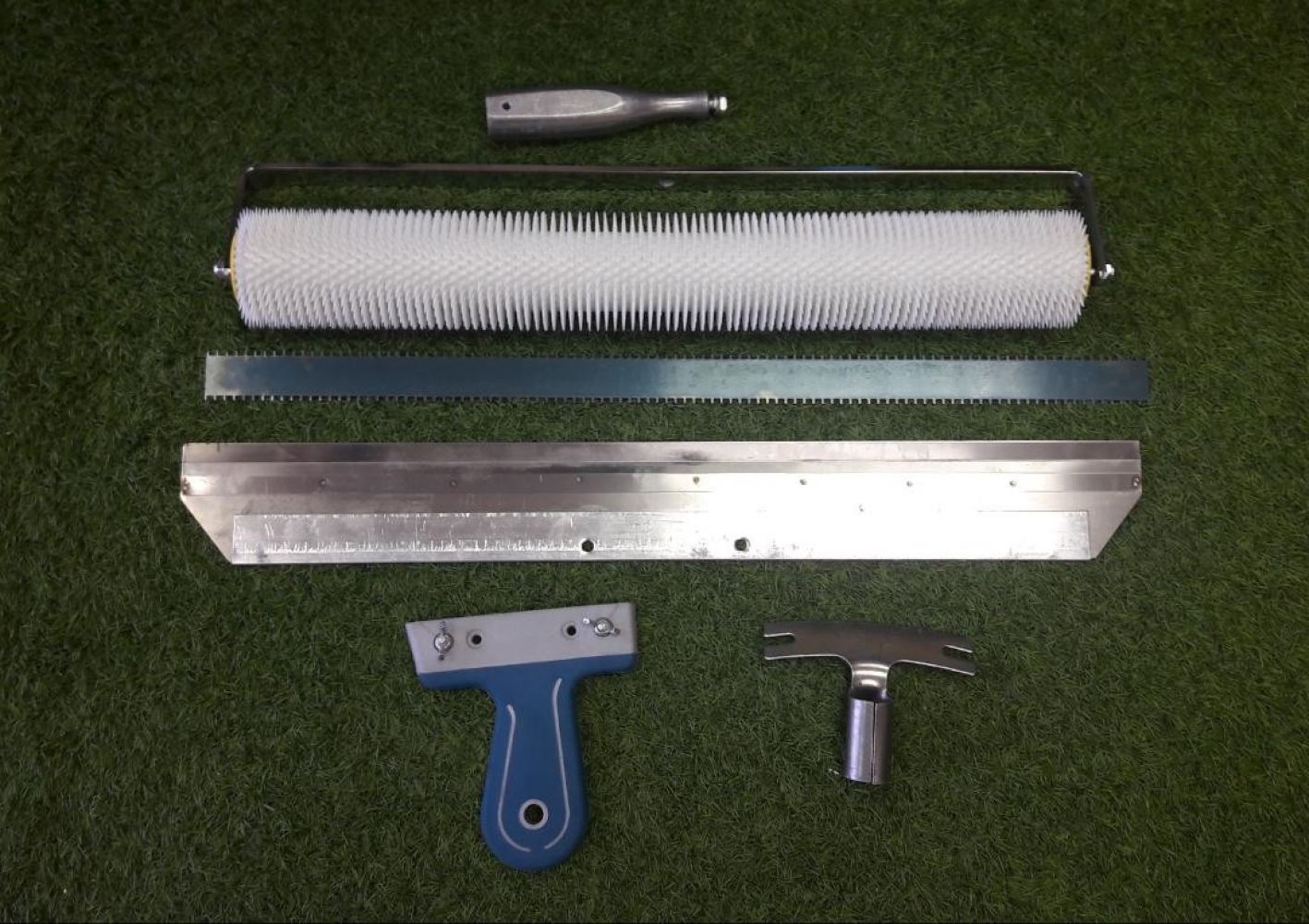 Self Leveling Tools - Roller & Scrapper