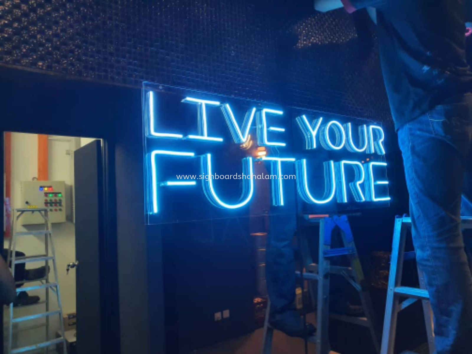 LED NEON SIGNAGE, 3D LETTERING, LIVE YOUR FUTURE