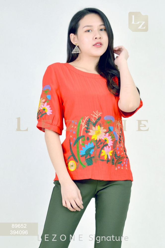 89652 PLUS SIZE EMBROIDERED SLEEVE BLOUSE 【2ND 50%】