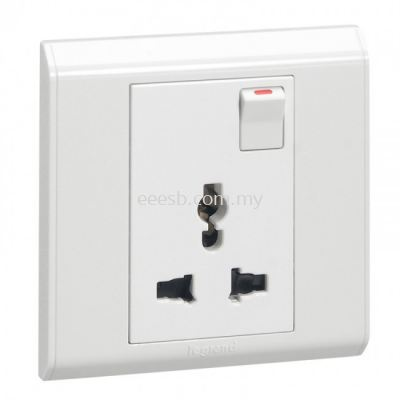 Legrand Multistandard Socket Outlet