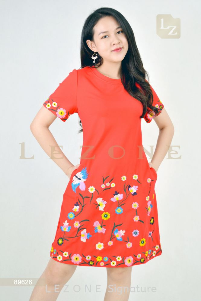 89626 PLUS SIZE  FLORAL EMBROIDERED SLEEVE DRESS【1st 10% 2nd 20% 3rd 30%】
