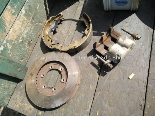 BRAKE DRUM, BRAKE DISC, BRAKE PADS EXCHANGE