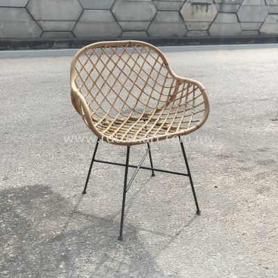 RATTAN + METAL LOUNGE CHAIR DIAMOND