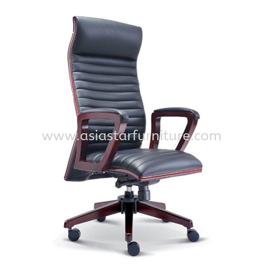 STONOR DIRECTOR HIGH BACK LEAETHER OFFICE CHAIR WITH RUBBER-WOOD WOODEN ROCKET BASE - wooden  director office chair taipan business centre | wooden director office chair usj | wooden director office chair imbi