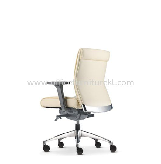 PEGASO EXECUTIVE LOW BACK LEATHER CHAIR C/W ALUMINIUM DIE-CAST BASE PG-3L