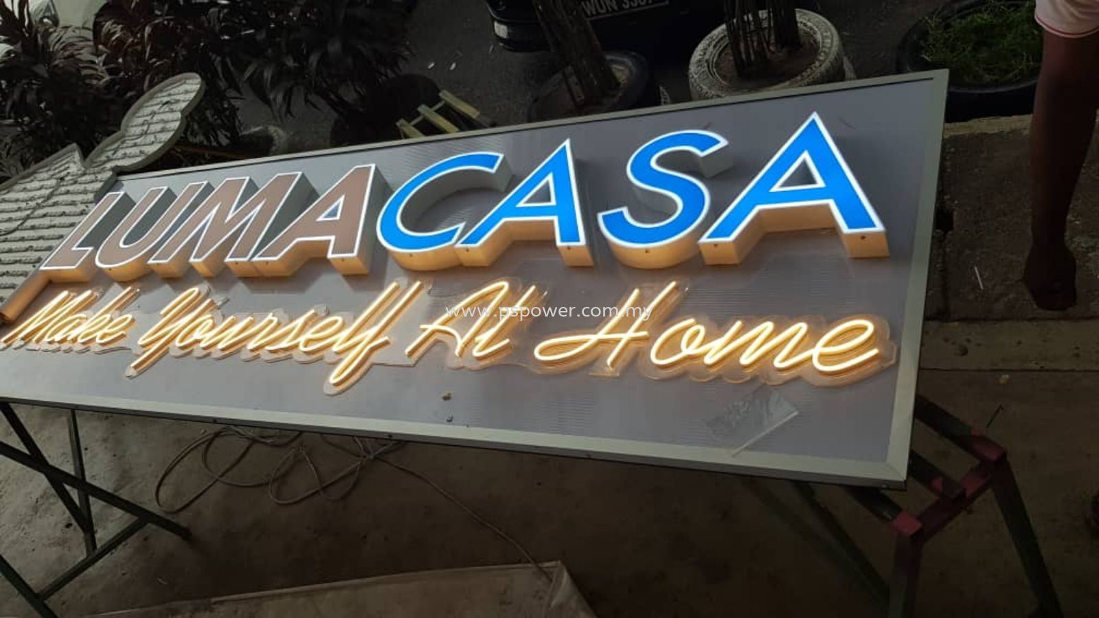 Laser Cut Letterings Front-Lit & LED Neon