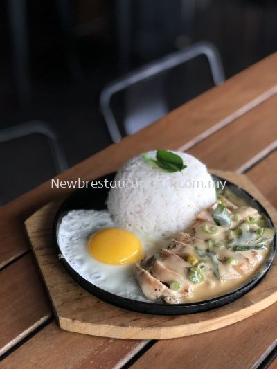 Sizzling Butter Milk Chicken with Rice and Egg