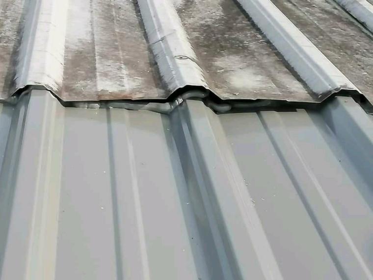 维修屋顶漏水