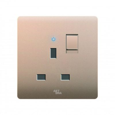 13A SWITCHED SOCKET C/W NEON INDICATOR