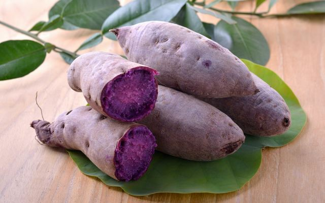 Purple Sweet Potato Whole, 1kg/pkt