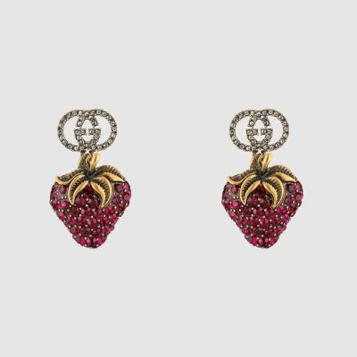 GUCCI EARRING - Earrings with crystal strawberry pendant 880723