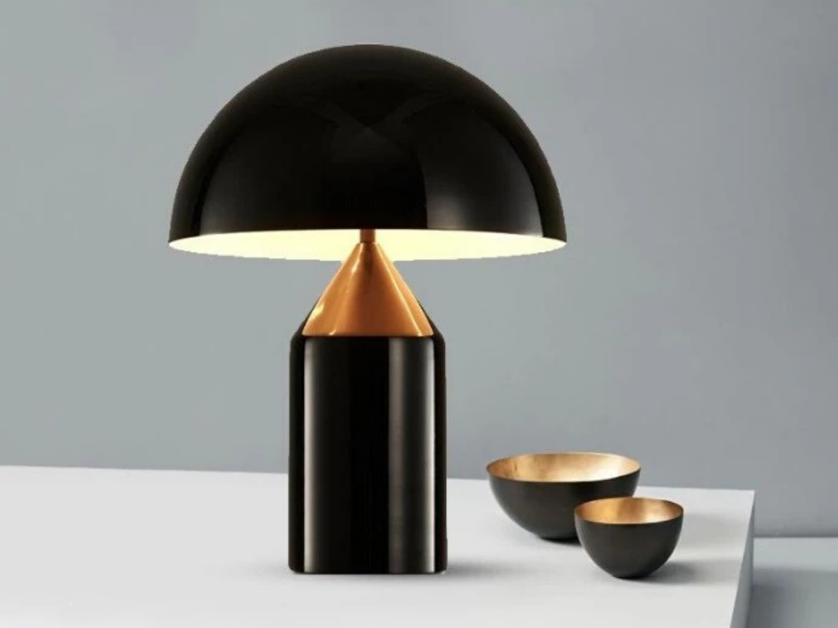 IP-OEG OTTO EXQUISITE GOLD AND BLACK TABLE LAMP