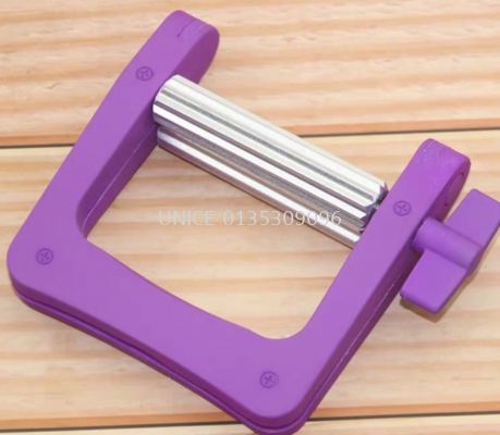 Stainless Steel Color Squeezer