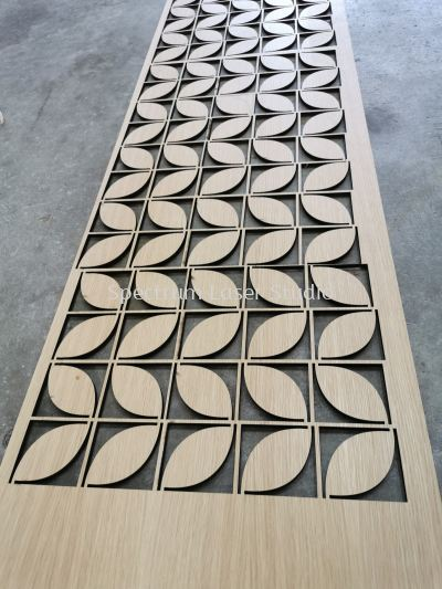 VENEER LAMINATED PLYWOOD CUTTING