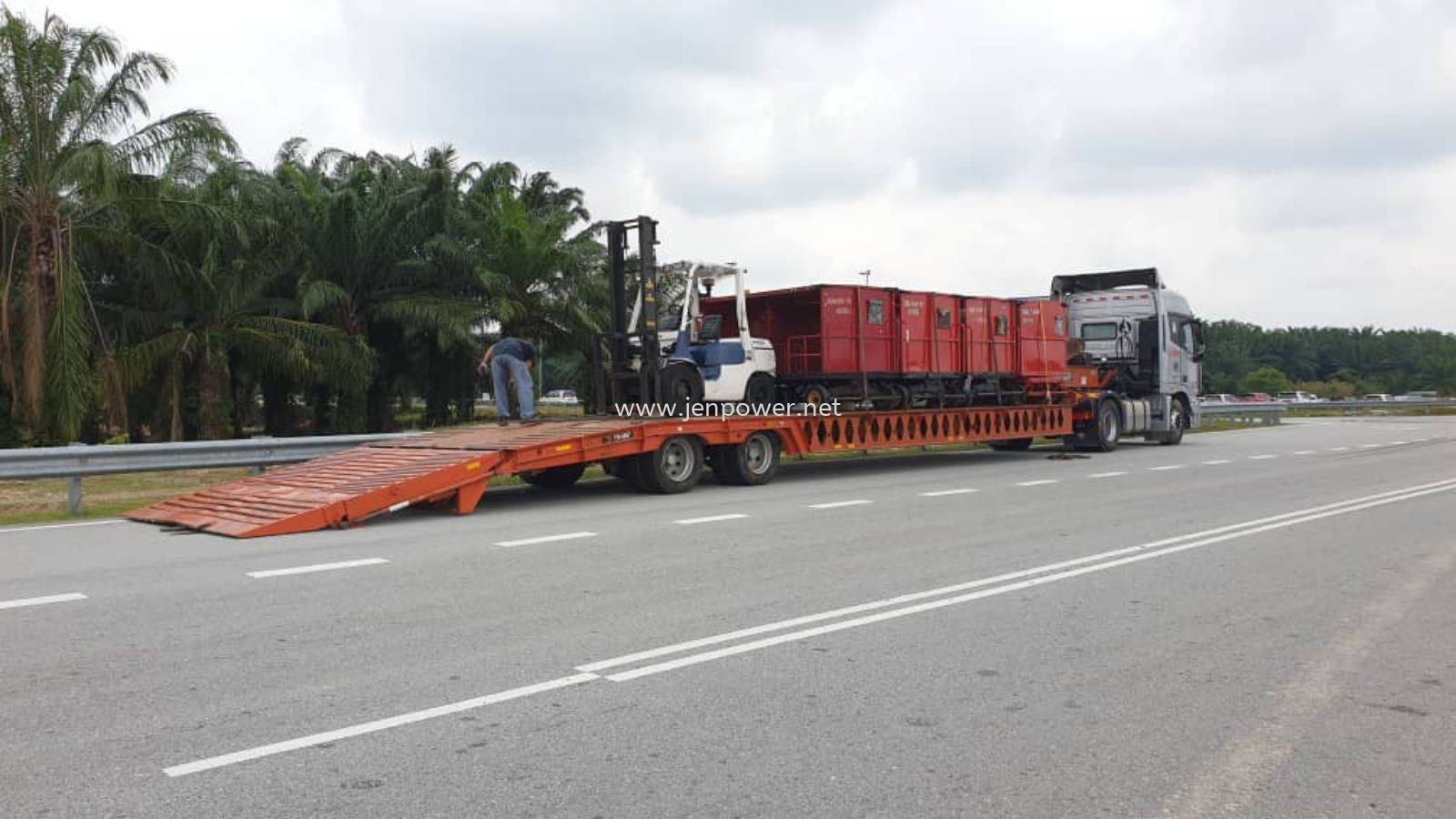 Relocation Forklift & Machinery