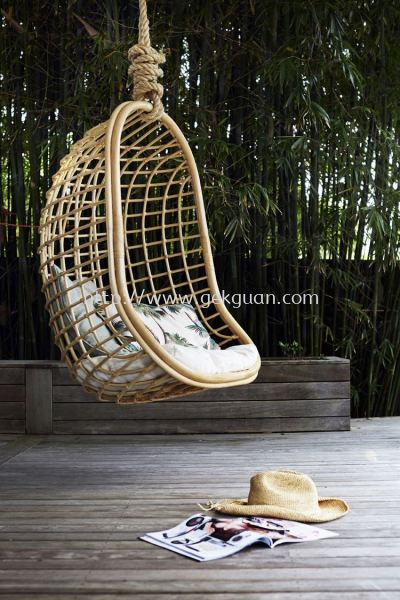 HC 026 - RATTAN HANGING CHAIR