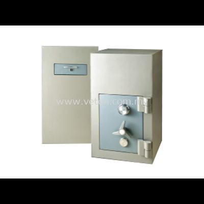 2250 TRAPMASTER NIGHT SAFE SECURED BY KEYLOCK AND COMBINATION LOCK