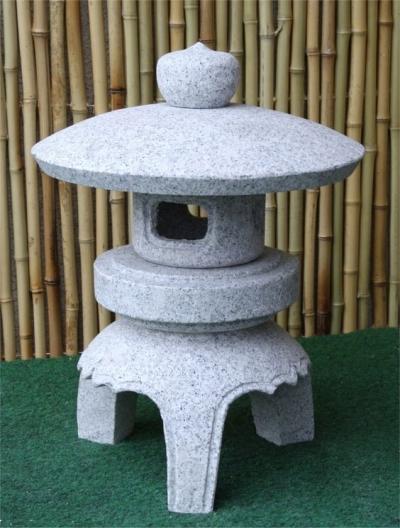 Japanese-Style Stone Garden Lamp Refer