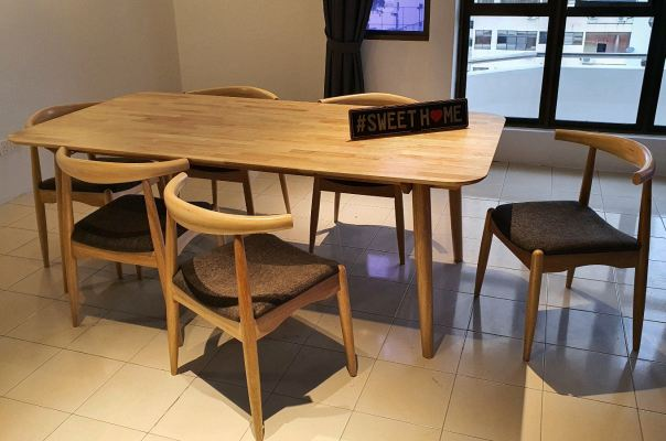 Full solid Dinning Table Auckland Dinning Table with 6 Chairs 7ft