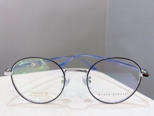 2020 �¿�ʱ�г�������   BLACK MONSTER Eyewear  ��������ƣ�ҫ�۵���ɫ���͵��ķ���Ի��Ŀ�ʽ ����ÿһ���۾���������ͬ��ʱ�з��һ��������   �µIJ�Ʒ���µ��Ż� ����֮��Ʒ���۾����иߴ�50���ۿ�  �ṩ�����侵���� �ṩ�����侵���� ӵ��רҵ��� ���ά�������