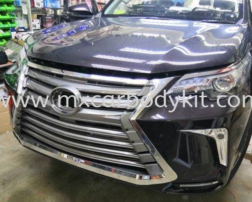 TOYOTA FORTUNER 2015 - 2018 LX LOOK FRONT BUMPER WITH GRILLE FORTUNER 2015 - 2018 TOYOTA