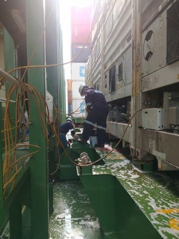 Hydraulic Oil Spillage CARGO HOLD & TANK CLEANING