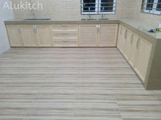 Ivory Chestnut With Concrete Table Top