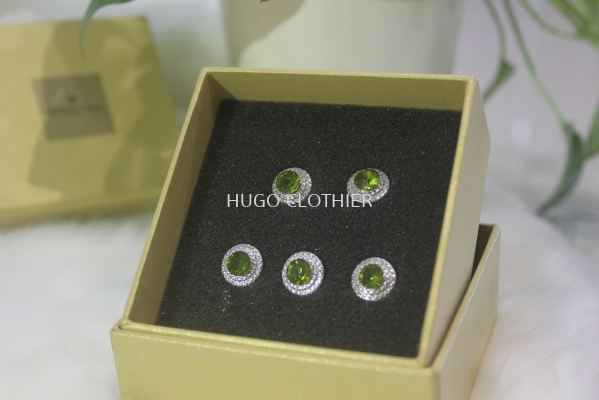 Round Light Green Button with Siver Border