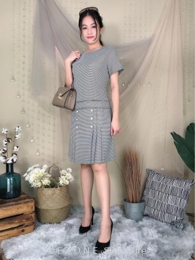 636282 Plaid Button Details Sleeved Dress