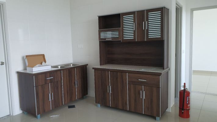 Ready Made budgets Kitchen Sets of 2 5ft fulll with tiles including basin
