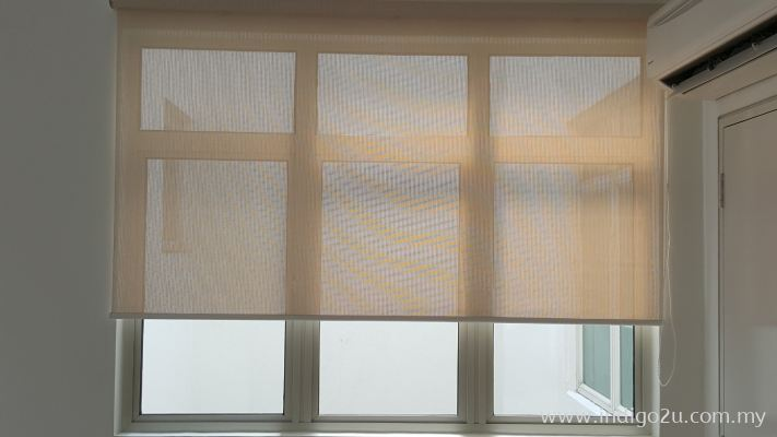 ROLLER BLINDS : BLACKOUT