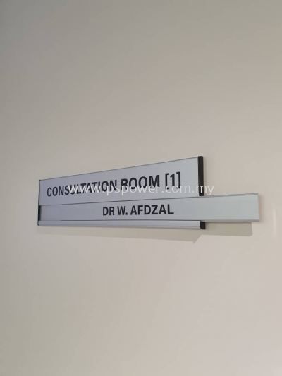 Replaceable Slot for Aluminium Door Signage
