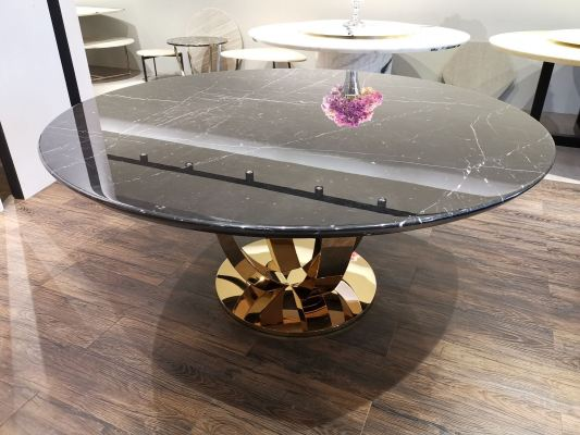 Round dining table 03