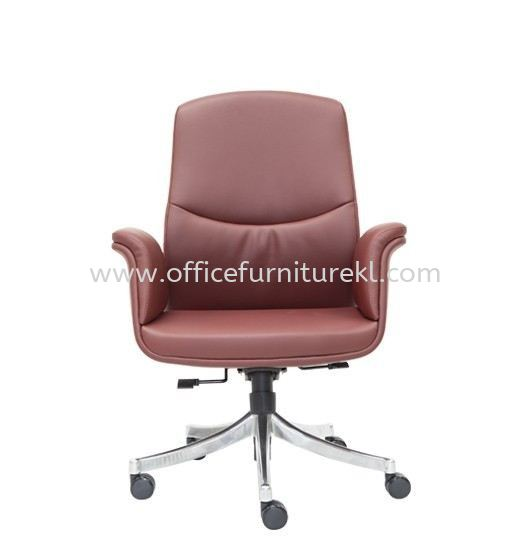 OXFORD DIRECTOR LOW BACK LEATHER CHAIR C/W ROCKET ALUMINIUM BASE