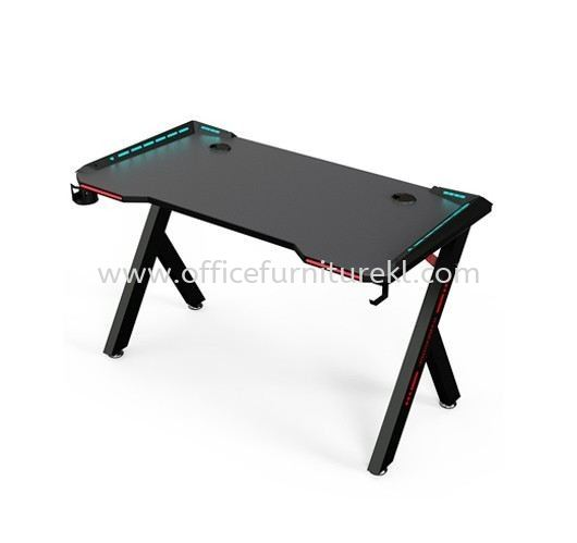 GAMING TABLE 1