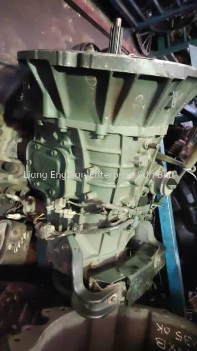 USED IMPORT GEARBOX HINO WU720R