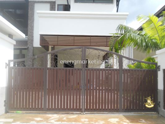 MSG 12-Mild Steel Combination Chengal Timber Folding Gate