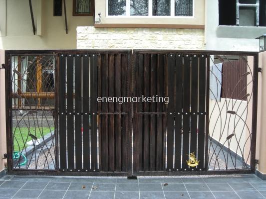 WIG 18- Wrought Iron Swing Gate